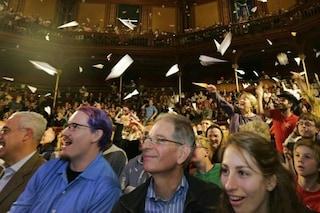 Cos'è l'Ig Nobel, il premio per le ricerche più assurde e divertenti che fanno riflettere