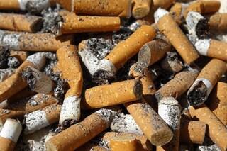 Perché ci vietano di fumare in spiaggia (e hanno tristemente ragione)