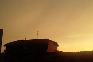 Cielo giallo/arancione durante il temporale: perché e cosa sta succedendo