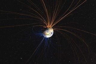 Il campo magnetico terrestre si sta indebolendo: misteriosa anomalia in Africa