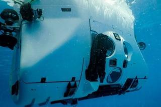 Atlantico, miliardario raggiunge per la prima volta il punto più profondo: record storico