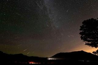 Splendida pioggia di stelle cadenti d'inverno: ecco quando e dove osservare le Geminidi