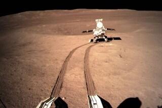 Le prime immagini del lato 'oscuro' della Luna scattate dai cinesi: ecco com'è fatto