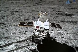 Chang'e-4, il video della sonda che atterra sul lato 'oscuro' della Luna e nuove foto da Yutu-2