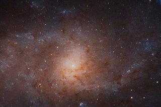 Hubble, meravigliosa immagine della Galassia del Triangolo: mostra 15 milioni di stelle