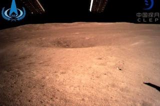 La sonda cinese Chang'e-4 ha raggiunto il lato nascosto della Luna: prima volta nella storia