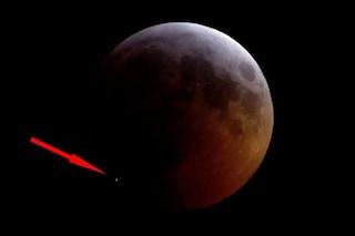Un meteoroide ha colpito la Superluna durante l'eclissi: evento filmato per la prima volta