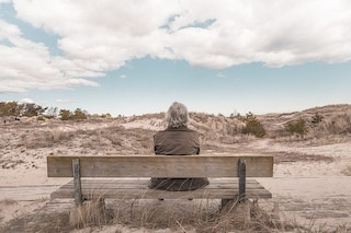 La crisi di mezza età esiste, ma è molto meglio di quello che crediamo
