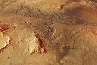 Marte, i resti di antichissime valli fluviali svelati dall'ESA: le immagini straordinarie