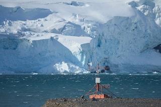 Antartide, laghi enormi scoperti sotto al colossale ghiacciaio Totten