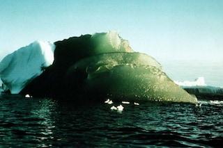 Antartide, risolto il mistero degli spettacolari iceberg verdi: ecco perché sono così