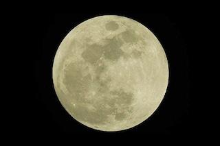 Luna Piena, conto alla rovescia per il plenilunio di Ferragosto: la Storione splende nel cielo