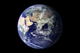 """Spostare la Terra dalla sua orbita per sfuggire all'inevitabile """"morte"""" del Sole: ecco come"""