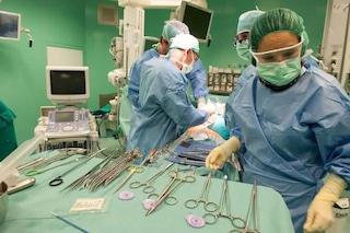 Primo trapianto combinato di fegato e rene in due tempi: un successo italiano