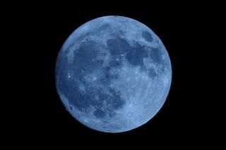 La Luna Blu dei Fiori splende nel cielo di maggio: come e quando vederla