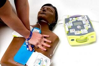 Le donne in arresto cardiaco hanno meno probabilità di essere rianimate e sopravvivere degli uomini