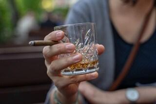 L'alcol non ti protegge dal coronavirus, ma aumenta il rischio di farti ammalare