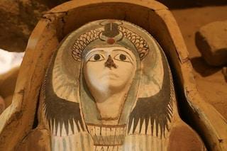 Egitto, cimitero di 4.500 anni emerge nei pressi dell'altopiano di Giza: è pieno di tesori