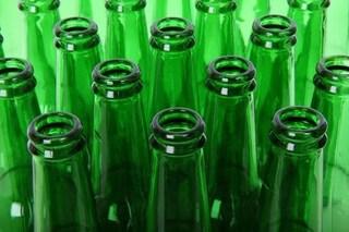 Sostanze nocive nelle bottiglie di vetro di birra, vino e liquori: trovati piombo e cadmio