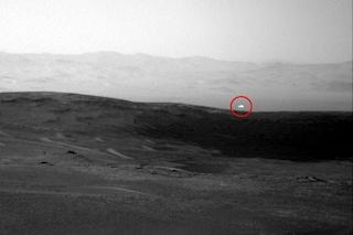 Misterioso bagliore fotografato dal rover Curiosity su Marte: cosa potrebbe essere