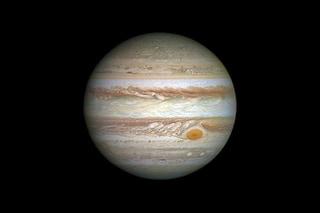 Giove apparirà più grande e luminoso nel cielo: quando e come vedere il pianeta in opposizione