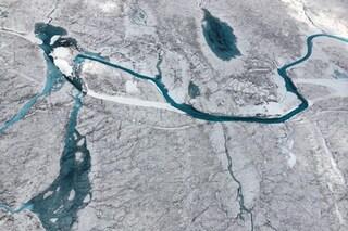 Groenlandia, scoperti 56 nuovi laghi sotto la calotta glaciale: i più grandi sono lunghi 6 km