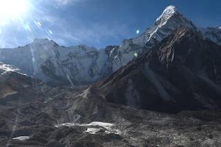 L'Himalaya perde ogni anno 8 miliardi di tonnellate di ghiaccio: scioglimento raddoppiato