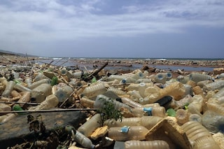 Ogni minuto finisce nel Mediterraneo l'equivalente in plastica di 34mila bottigliette