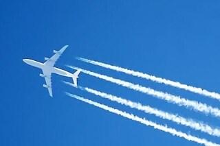 """Le """"scie chimiche"""" aumentano le temperature globali: impatto triplicato entro il 2050"""