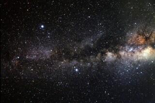 Il cielo di luglio è una meraviglia: eclissi lunare, super Saturno e pioggia di meteore