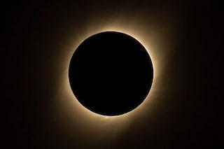 Eclissi solare totale 2019: le spettacolari immagini della Luna che oscura il Sole