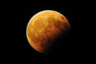 L'eclissi parziale di Luna sarà una meraviglia: quando e come vedere lo splendido evento