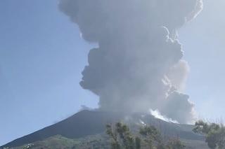 Stromboli, le esplosioni ed eruzioni del vulcano dall'attività 'persistente': ecco i rischi