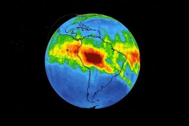 Incendi Amazzonia, immesse enormi quantità di monossido di carbonio in atmosfera: le immagini NASA