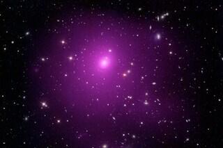 Scoperto mostruoso buco nero con una massa pari a 40 miliardi di volte quella del Sole