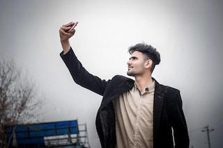 Posti tanti selfie? Ecco cosa pensano davvero di te gli altri. Lo dice la scienza
