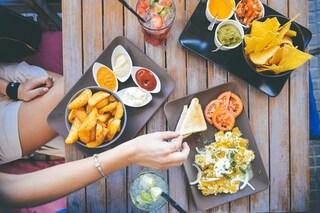 Perché alcune persone restano magre pur mangiando tanto: svelato il segreto