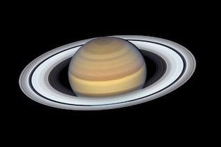 Scoperte 20 nuove lune attorno a Saturno, ora ne ha 82: record nel Sistema solare, sorpassato Giove