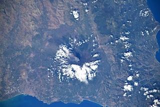 L'astronauta Luca Parmitano ci regala un meraviglioso scatto dell'Etna in eruzione dallo spazio