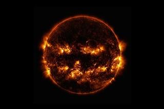 La NASA celebra Halloween con una foto del Sole che ricorda la tradizionale zucca malefica