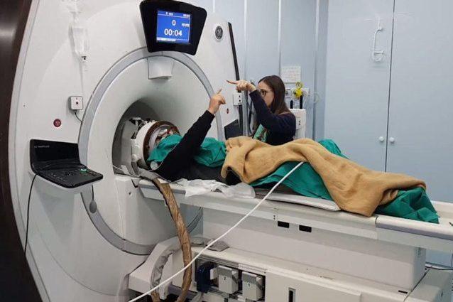Un paziente sottoposto al trattamento di MRgFUS. Credit: RSNA/Università dell'Aquila
