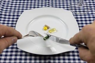 Disordini alimentari, pillole dimagranti e lassativi: c'è un legame pericoloso, ecco quale