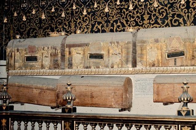 Sarcofaghi in legno nella Basilica San Domenico Maggiore di Napoli. Credit: Università di Pisa