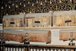 I segreti delle tombe dei nobili aragonesi conservate a Napoli svelati grazie agli insetti
