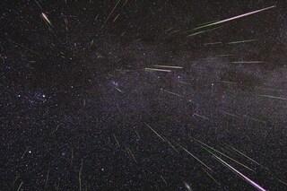 Tempesta di meteore sull'Italia, fino a 600 in un'ora: previsto fenomeno astronomico memorabile