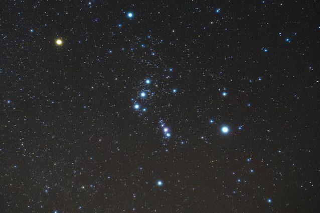 La stella Betelgeuse potrebbe esplodere in supernova da un momento all'altro