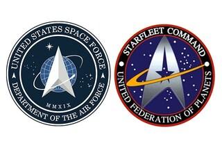 Trump presenta il logo della Space Force, ma è uguale a quello di Star Trek: ironia sui social