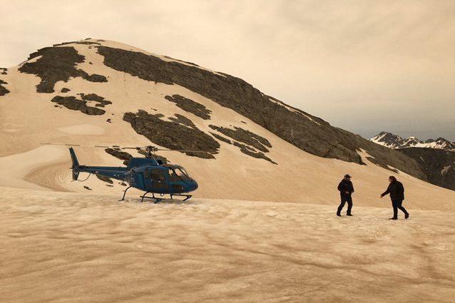Ghiaccio e neve color caramello sulle montagne della Nuova Zelanda