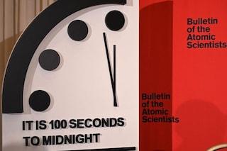 Orologio dell'Apocalisse: mancano solo 100 secondi alla fine del mondo. Mai così vicini