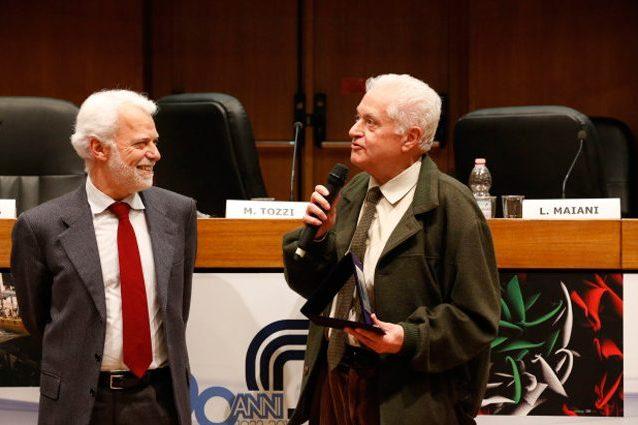 A sinistra Paco Lanciano, a destra il professor Pallottino. Credit: premiodivulgazionescientifica.it